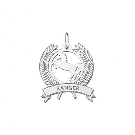 anhanger-siegerkranz-mit-pferd-und-namensgravur-aus-silber