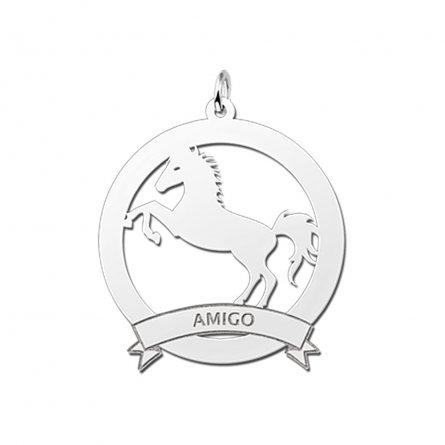 grosser-anhanger-motiv-pferd-und-banderole-mit-gravur-aus-silber
